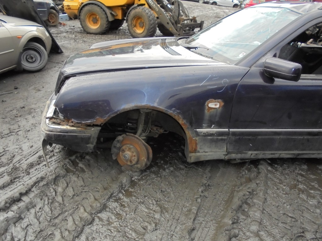 Buy used parts mercedes benz e class 1999 vilnius 2no 143 for Used mercedes benz parts online