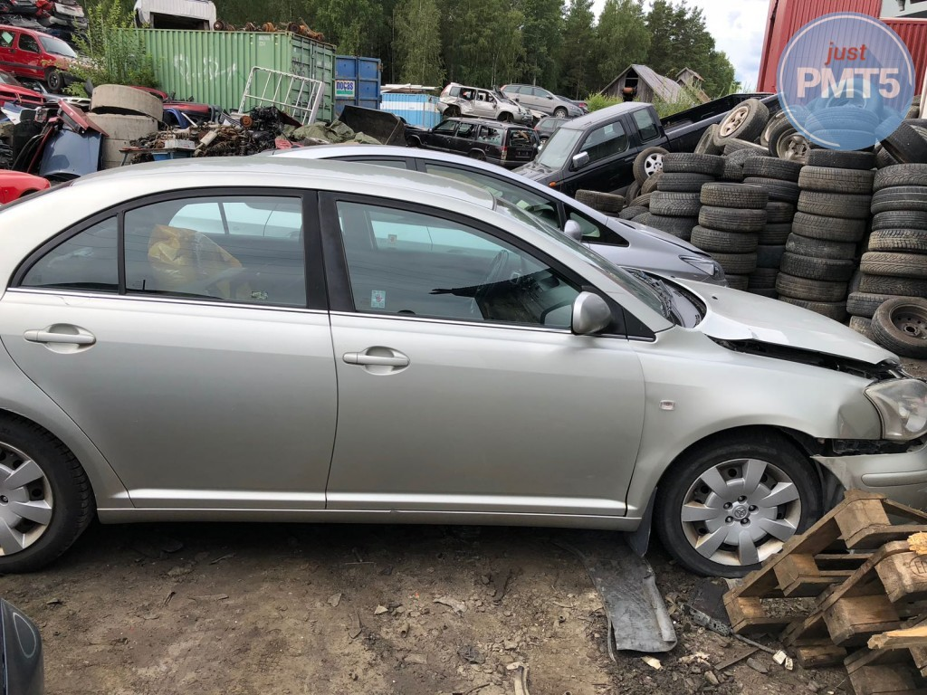 TOYOTA AVENSIS 2003 for parts, 11BY-395
